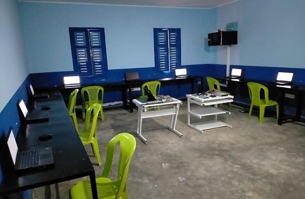 افتتاح مركز للمعلوميات بتاسلطانت لتمكين الطلاب من متابعة الدراسة عن بعد