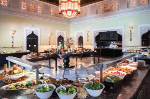"""مائدة فندق المامونية بمراكش ضمن أفضل """"بوفيهات"""" الفنادق حول العالم"""
