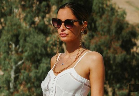 ملكة جمال فرنسية تطل على متابعيها من مدينة مراكش