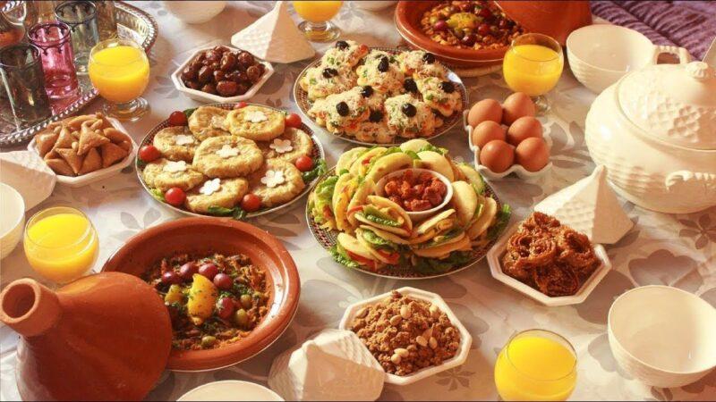 عرض وافر ومتنوع يلبي حاجيات المغاربة من مختلف المواد والمنتجات الأساسية خلال شهر رمضان ..