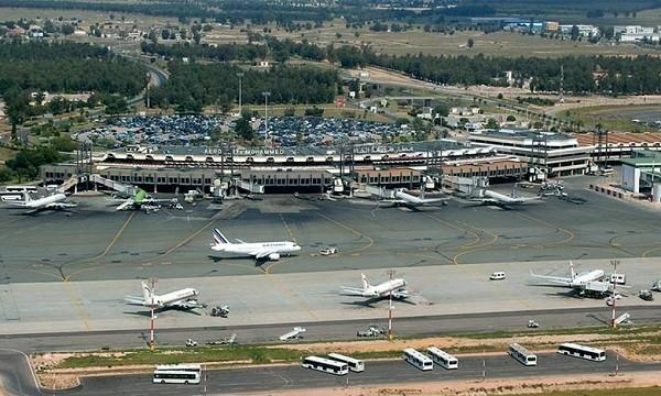 المغرب يغلق حدوده الجوية مع خمس دول افريقية