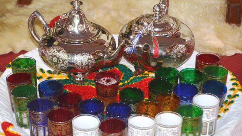 صينية الشاي سلطانة الأسر ومجمع الأحباب في المغرب