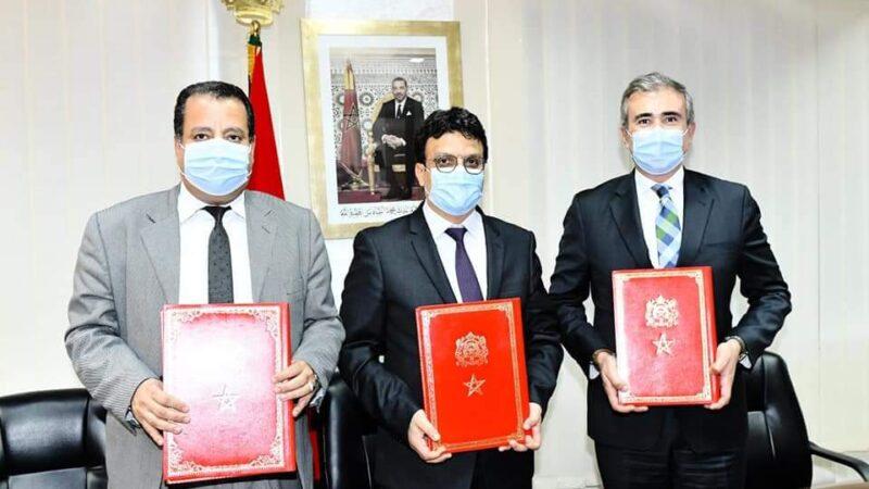 توقيع اتفاقية شراكة بين عمالة إقليم الرحامنة و شركة ألزا لمواكبة تطور أسطول النقل المدرسي و شبه المدرسي بالإقليم.