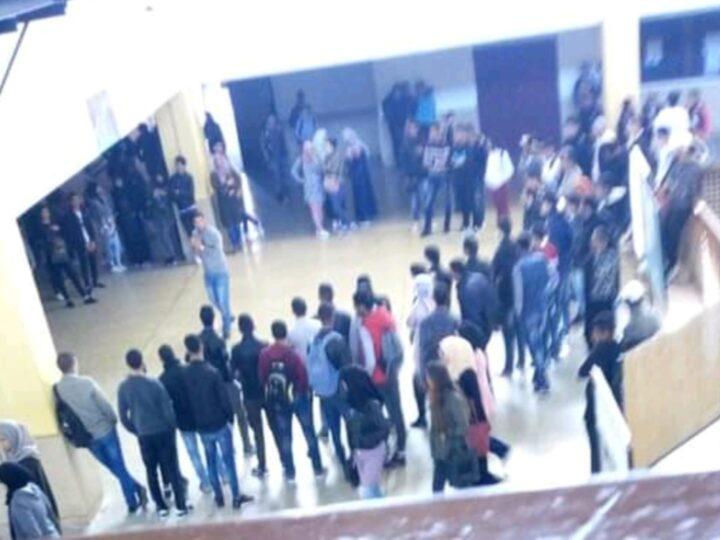 هجرة جماعية للطلبة والطالبات بمراكش لواحدة من أقدم المكتبات بسبب ارتفاع اسعار المطبوعات والكتب