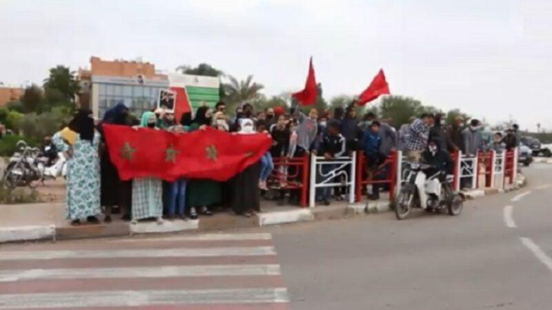 التهميش وانتشار الجريمة يخرجان سكان حي الآفاق للاحتجاج