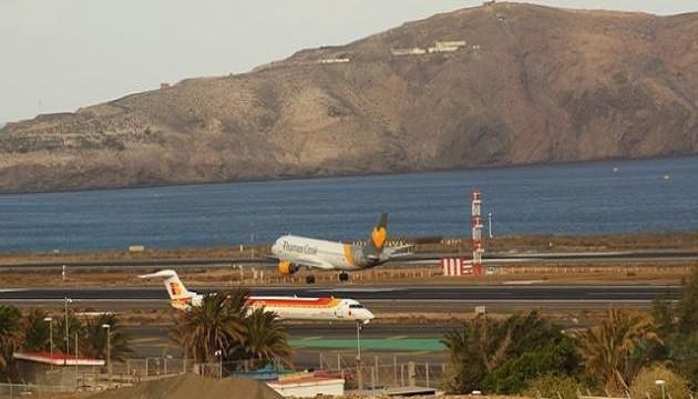 من ضمنها مراكش.. جزر الكناري تفقد نصف خطوطها الجوية مع الوجهات الخارجية
