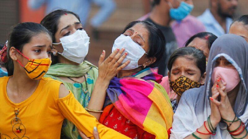 تسجيل أكثر من 400 ألف إصابة جديدة بكورونا خلال الساعات الـ24 الماضية بالهند
