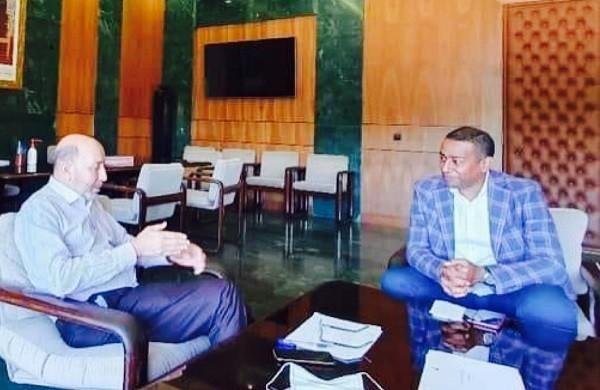 بلقايد وحنيش يجتمعان في أفق إبرام اتفاقية شراكة لدعم نادي الكوكب المراكشي لكرة القدم