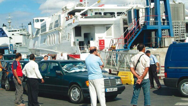 استثناء الموانئ الإسبانية من عملية عبور مغاربة العالم يثير المزيد من التداعيات في اسبانيا ، حكومة الاندلس تهاجم رئيس الحكومة الإسبانية