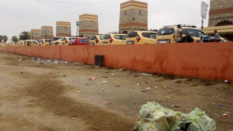تحول محيط محطة سيارات الأجرة إلى مراحيض عشوائية يؤرق السائقين وساكنة باب دكالة