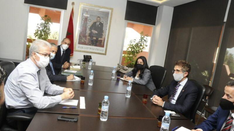 خبراء تجاريون من سفارة أمريكا بالرباط يناقشون بمراكش فرص التعاون والاستثمار في مجالات اقتصادية واعدة بالجهة