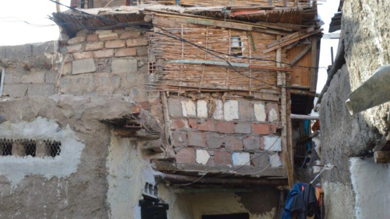 فيديو : نقطة سوداء وسط مدينة مراكش.. مواطنون يعيشون في وضعية كارثية داخل حي صفيحي