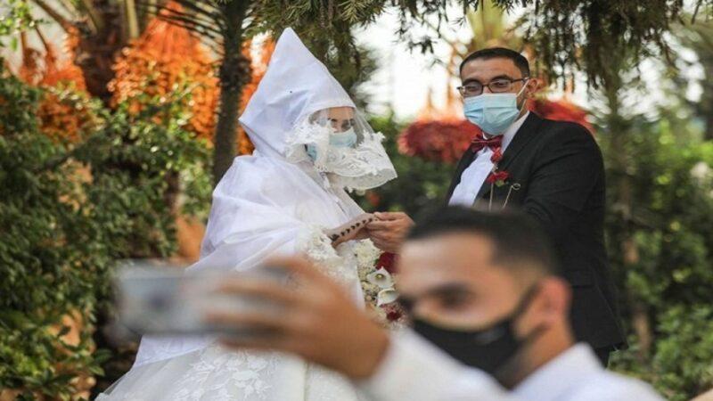 الحكومة تمنع من جديد إقامة الحفلات والأعراس وتقيد التنقل الليلي