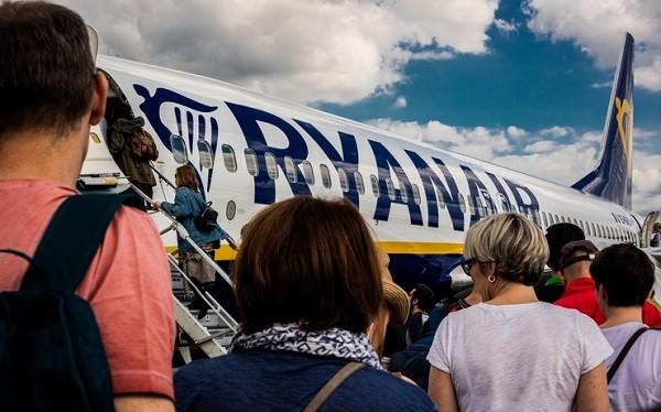"""""""ريان اير"""" ترفض سفر العشرات على متن رحلتها بين مراكش وتور"""